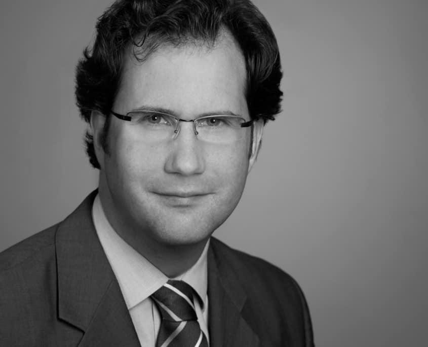 Dr.-Ing. Raphael M. Jung